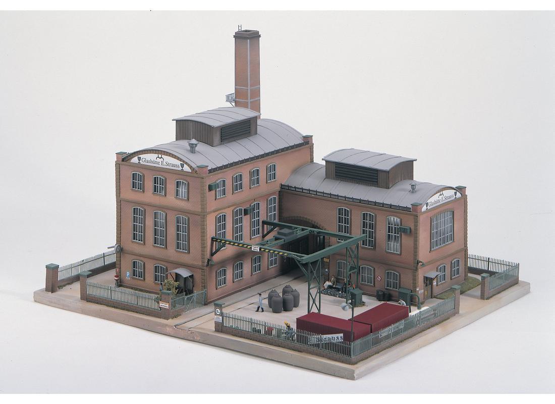 Piko Továrna - Vedlejší budova - 61117