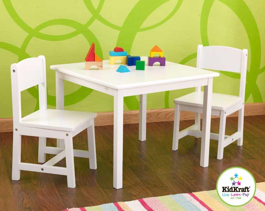 KidKraft Dětský stůl se dvěma židličkami