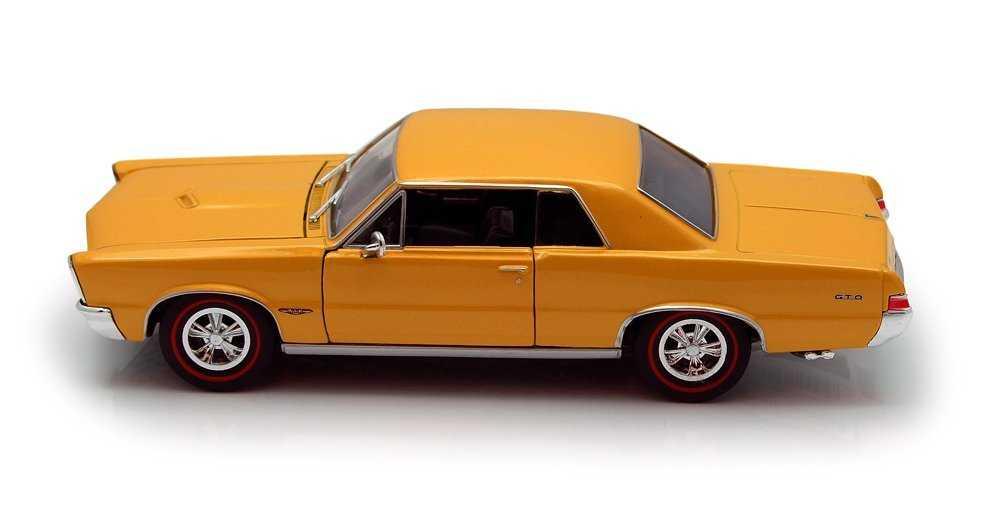 Welly - 1965 Pontiac GTO žlutý