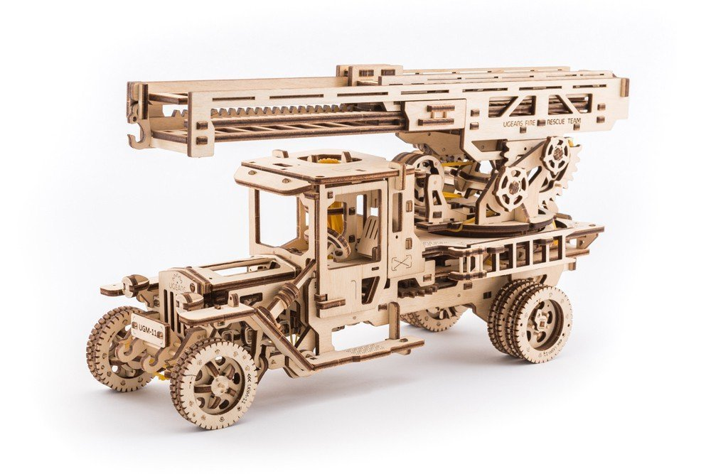 Ugears 3D dřevěné mechanické puzzle UGM 11 s požárním žebříkem