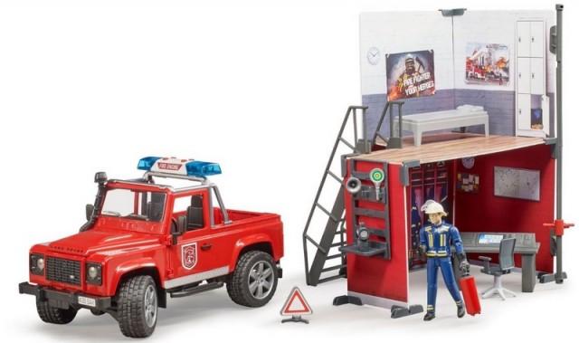 Bruder BWORLD Hasičská stanice, Land Rover a hasič
