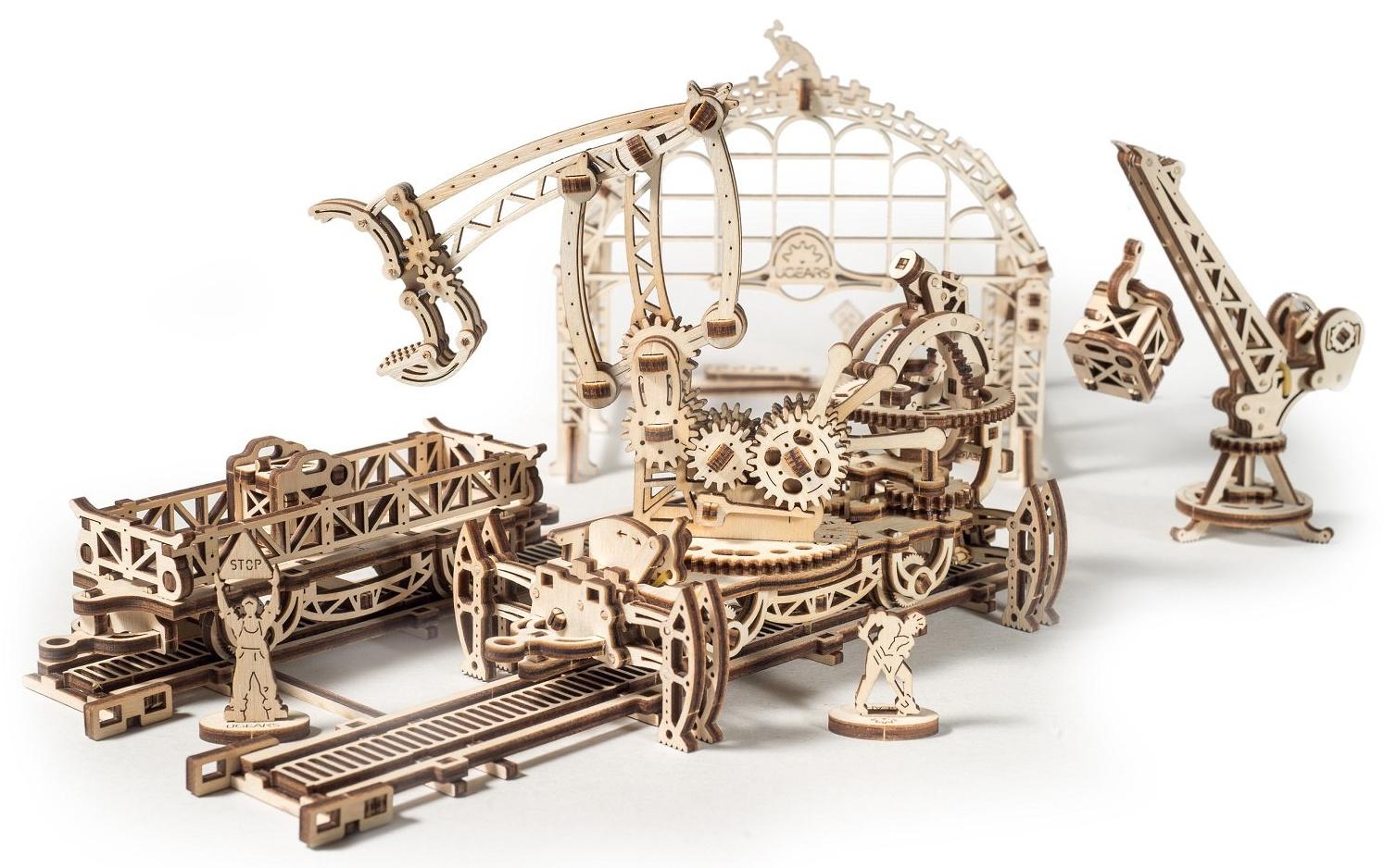 Ugears 3D dřevěné mechanické puzzle Mechanical Town železniční překladiště