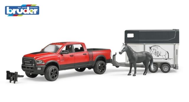 Bruder Terénní auto RAM s přepravníkem na koně