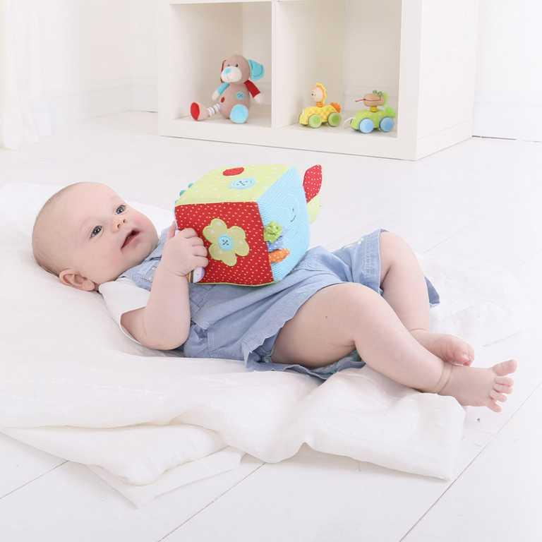 Bigjigs Baby Textilní motorická kostka pejsek Bruno