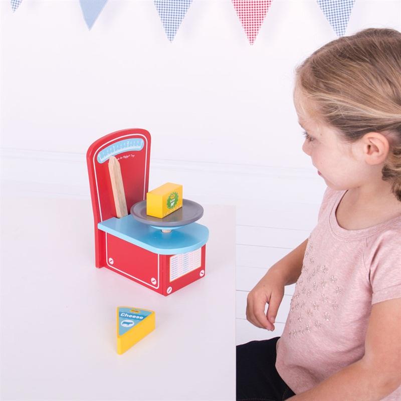 Bigjigs Toys Dřevěné kuchyňská váha