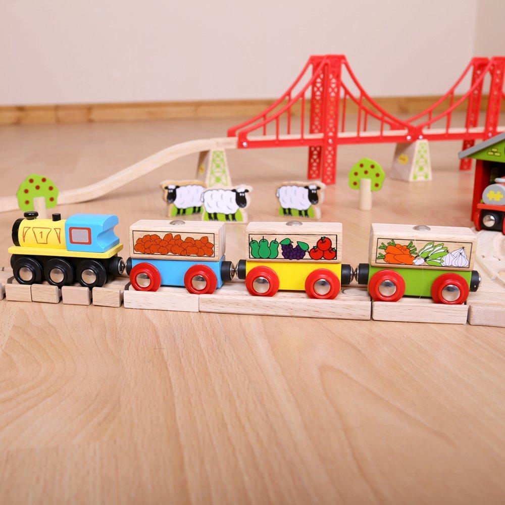 Bigjigs Rail vláček - Nákladní vlak se zeleninou + 3 koleje