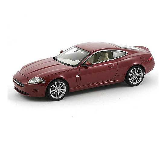 Welly - Jaguar XK Coupe 1:24 červený