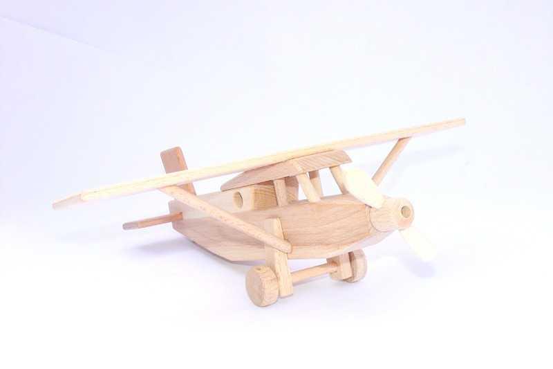 Ceeda Cavity - dřevěné letadlo Pilatus