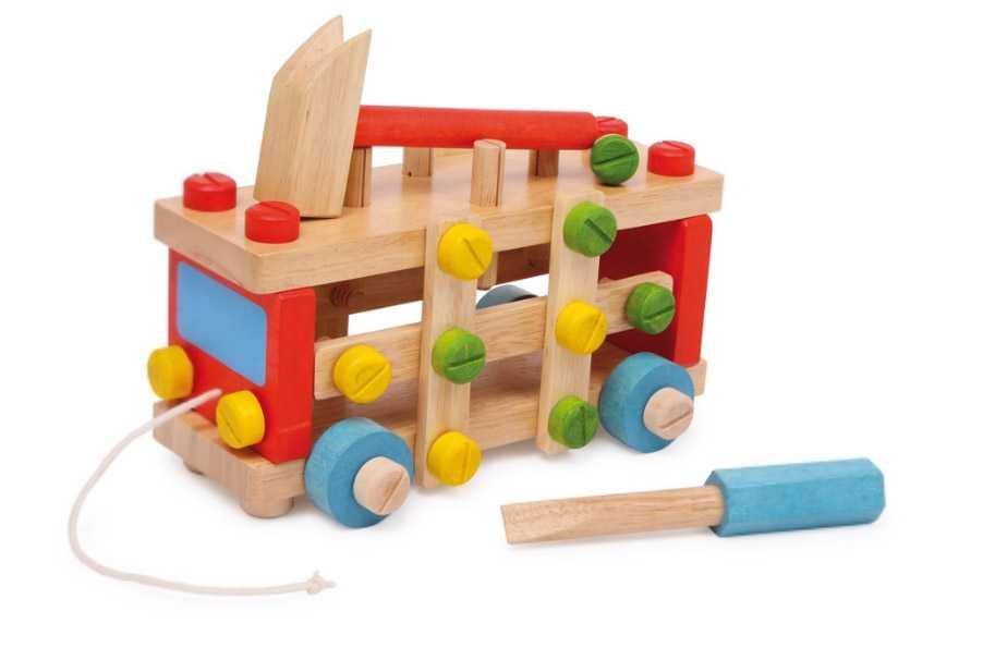 Dřevěné barevné montážní auto