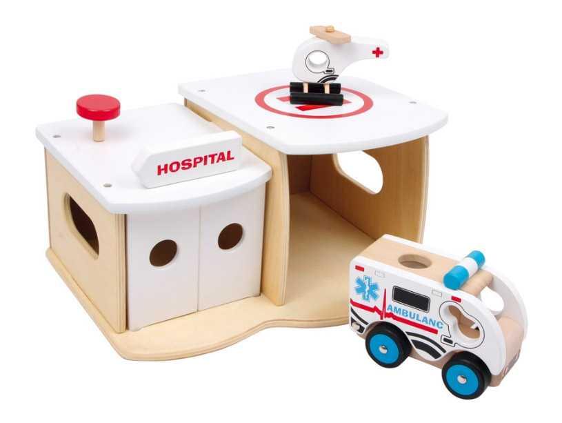 Dřevěná nemocnice s vrtulníkem