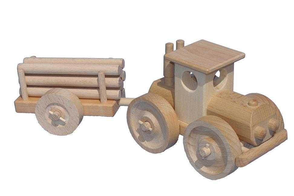 Ceeda Cavity - přírodní dřevěný velký traktor s kládama