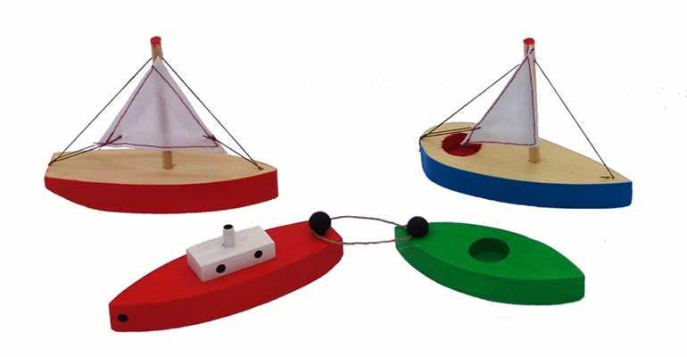 Dřevěné plachetnice remorkér s člunem