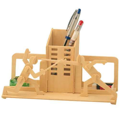 Woodcraft Dřevěné 3D puzzle stojánek na tužky šerm