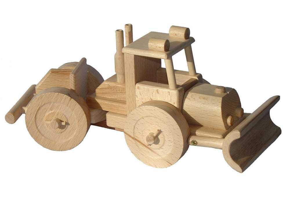 Ceeda Cavity - dřevěné auto - Lakatoš (traktor na dřevo)