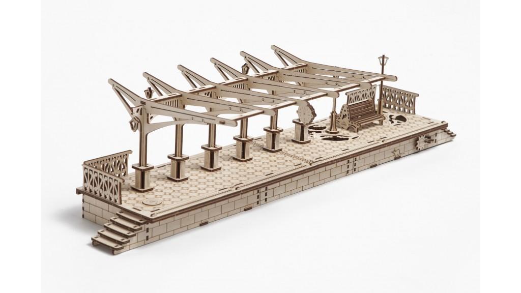 Ugears 3D dřevěné mechanické puzzle Nástupiště