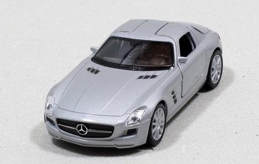 Welly - Mercedes-Benz SLS AMG model 1:34 stříbrný