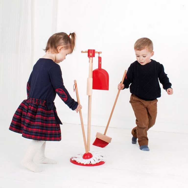 Bigjigs Toys úklidový hrací set červený