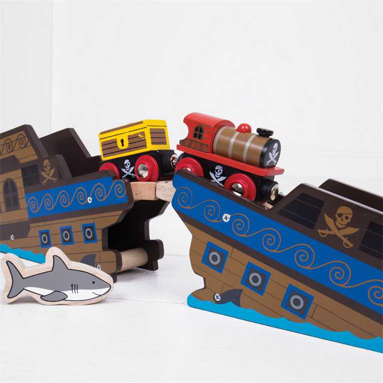 Bigjigs Rail dřevěná vláčkodráha - Pirátský vlak + 3 koleje