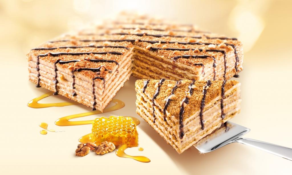 Medový dort Marlenka s oříšky