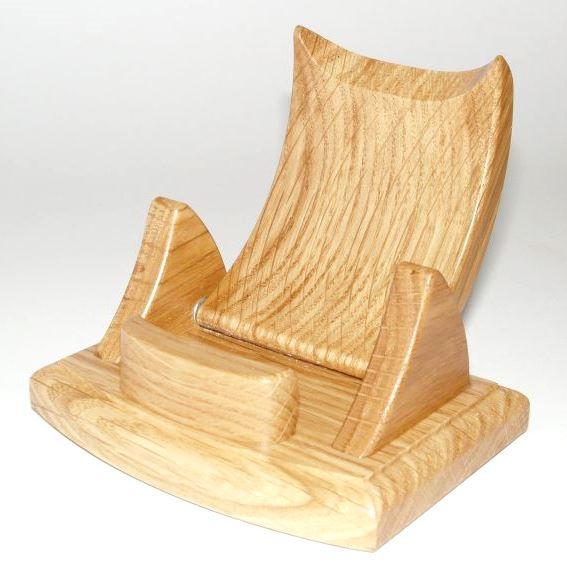 Dřevěný stojánek na mobil přírodní