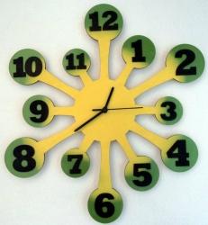 Dřevěné hodiny Chapadla červenooranžové