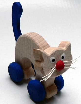Dřevěné hračky - hračka na kolečkách - Kočička