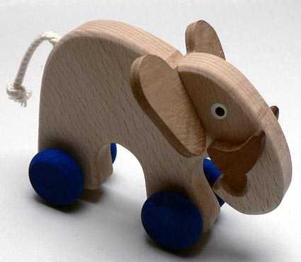 Makovský Dřevěný Slon na kolečkách