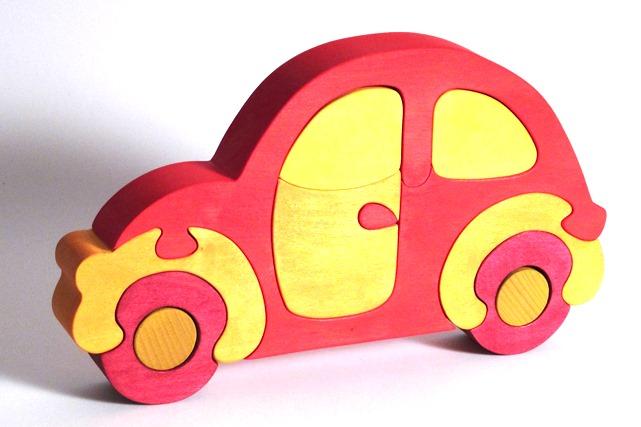 Fauna Dřevěné vkládací puzzle z masivu auto červené brouk